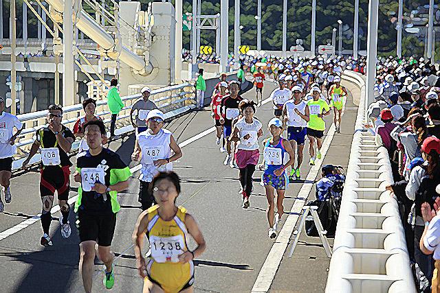白鳥大橋ハーフマラソン写真